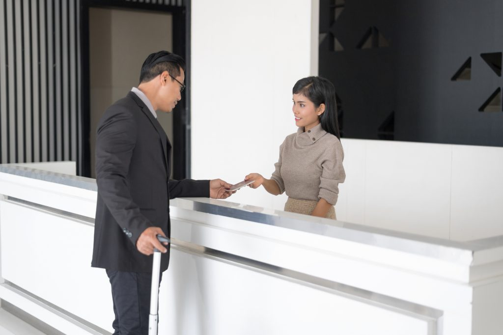外国人採用は異文化への理解がカギ!社員研修の内容や採用後の注意点を紹介
