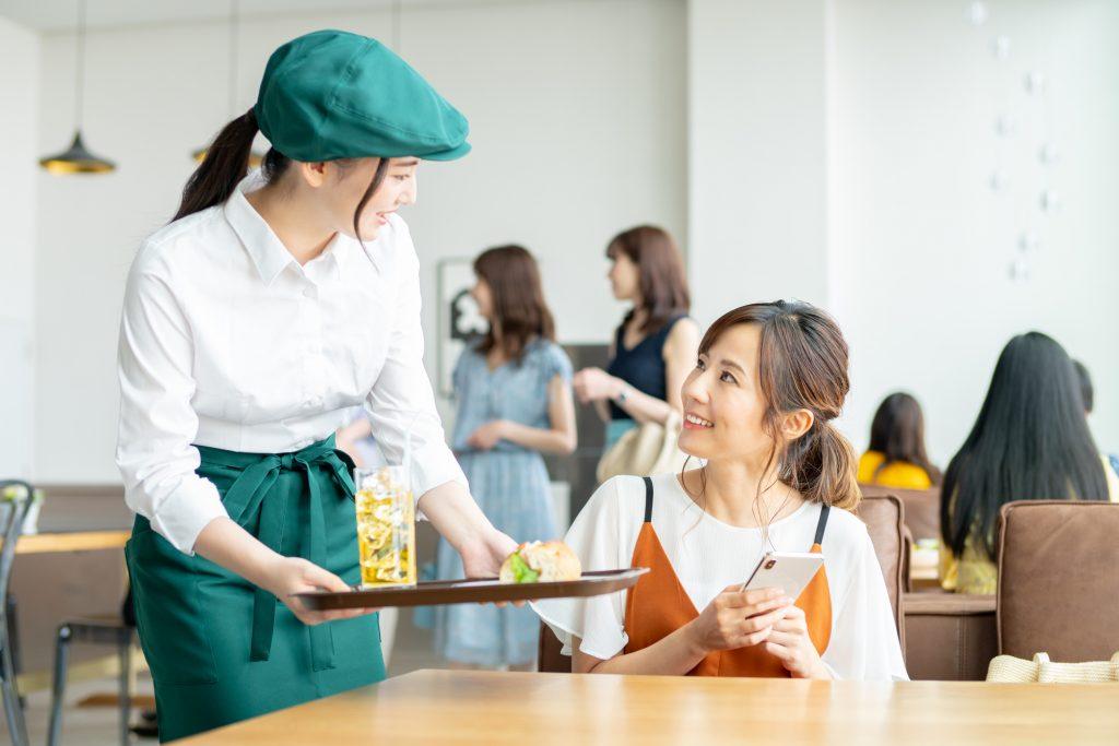CS(顧客満足度)向上の必要性と方法!従業員の満足度と教育がカギ